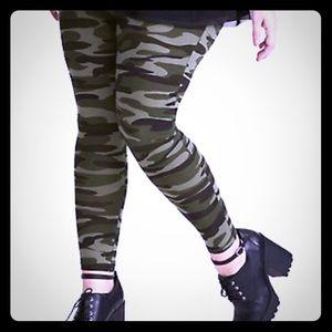 NWT Torrid Camo Leggings Size 2X